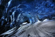 Fjalljokull,ice cave,Iceland,Iceland ice cave,the Wave Cave,Wave Cave,blue ice,crystal cave,curl,2014,glacier,ice cave