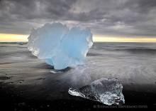 Jokulsarlon lagoon outlet icebergs