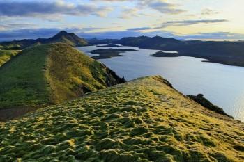 Langisjor fr. mossy Fogrufjoll Mountains