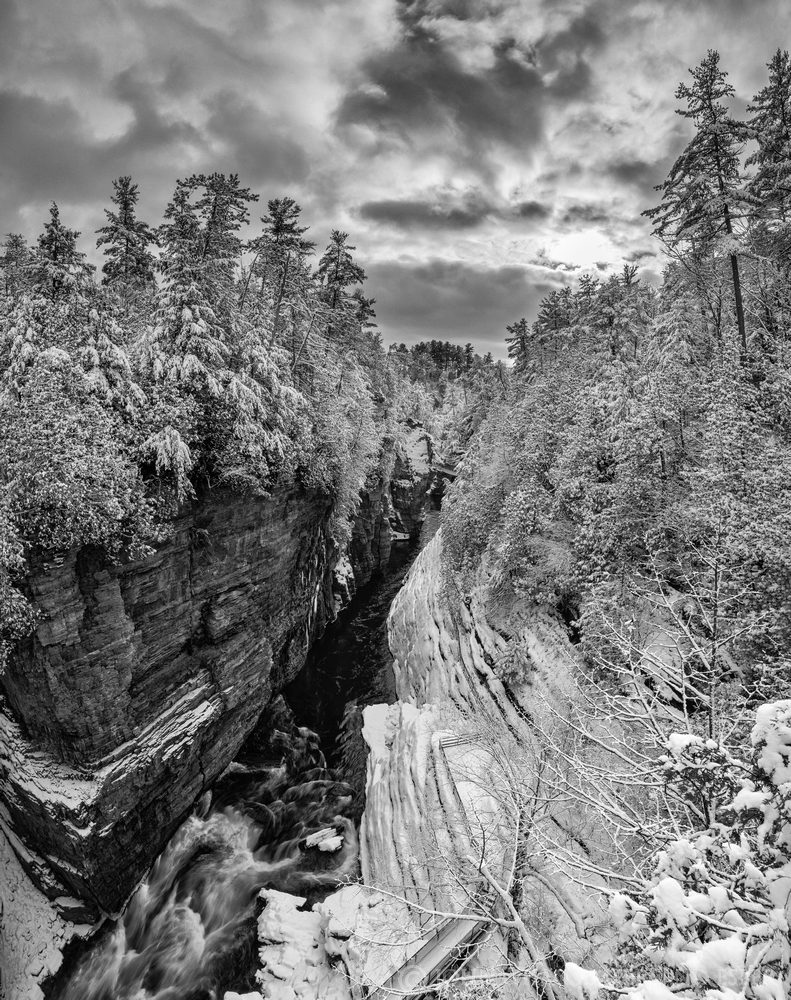 Ausable Chasm,winter,2021,black and white