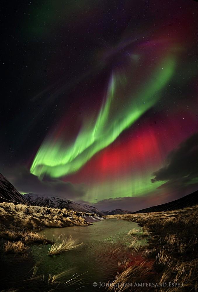 red aurora borealis,red auroras,aurora borealis,Iceland,aurora borealis Iceland,red, northern lights,spectacular,Blonduo, photo