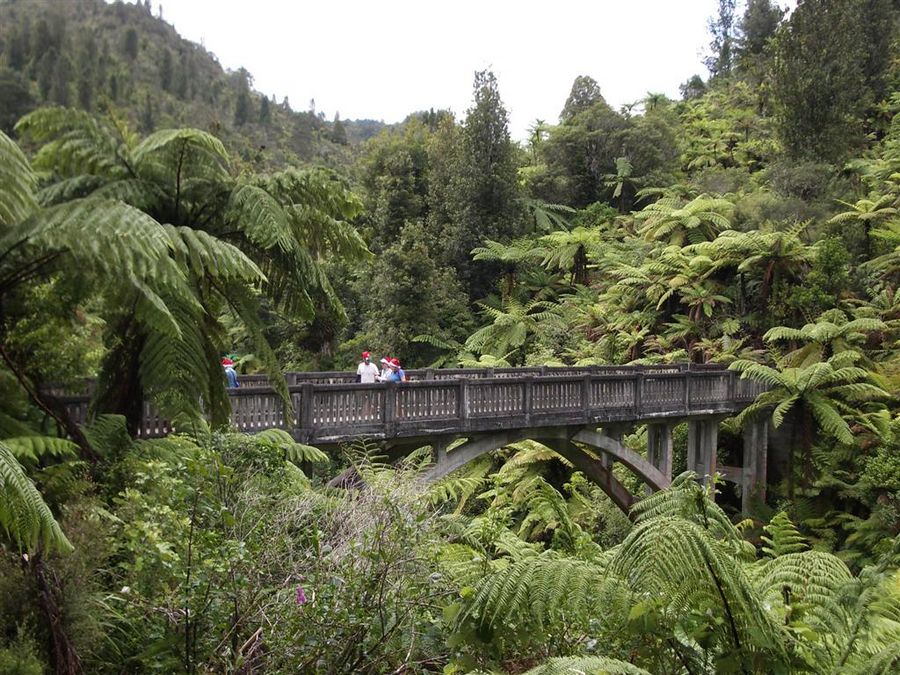 Bridge to Nowhere, Whanganui River, canoe, kayak, trip, New Zealand, photo