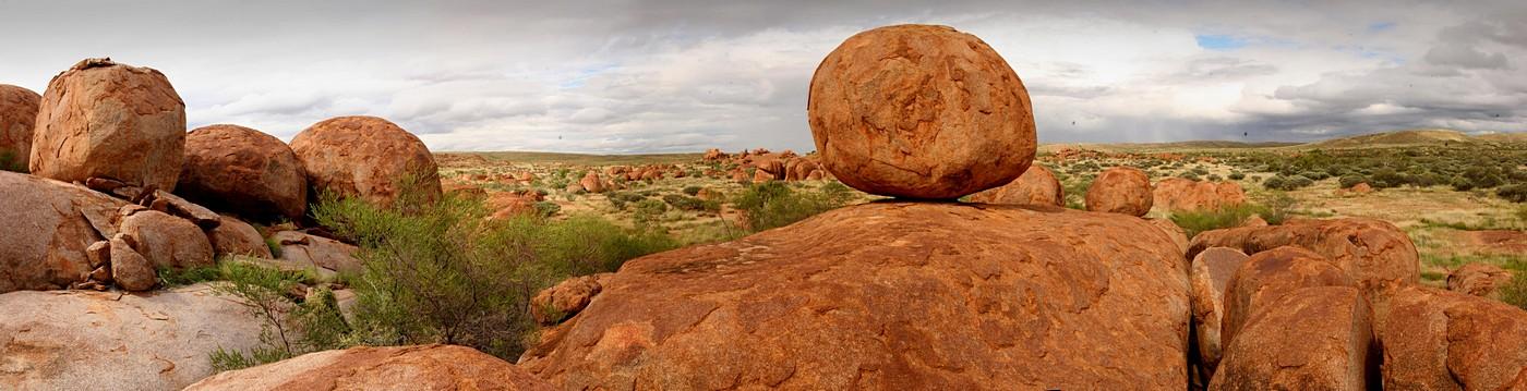 Devil's Marbles,Devils Marbles,boulders,round,Outback,Australia,rocks,panorama, photo