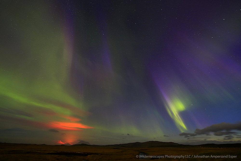 Holuhraun,Iceland,erupting,eruption,volcanic,aurora borealis, photo