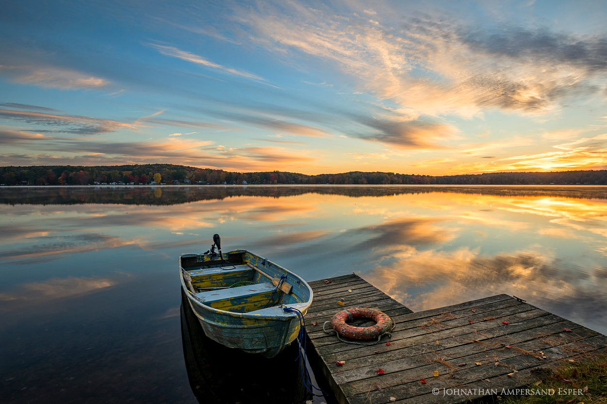 Galway Lake,Lake Galway,Galway,southern Adirondacks,Broadalbin,fall,2017,lake,life-ring,old,rowboat,old rowboat,old boat,flaking,sunrise,dock,ring, photo