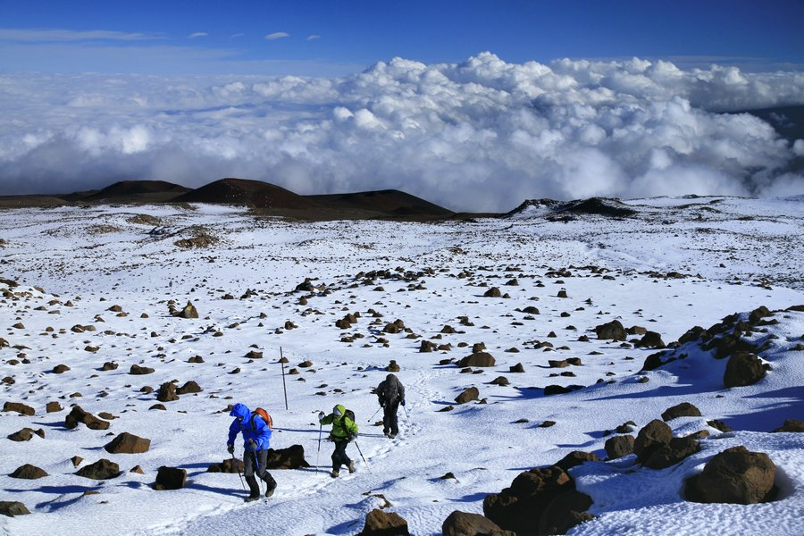 hiking, up, Mauna Kea, winter, highpoint, Hawaii, snow, photo