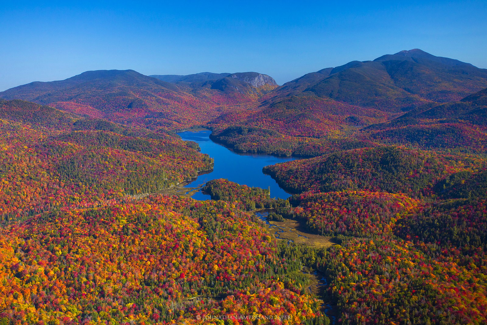 Henderson Lake, Wallface,Algonquin,aerial, photo