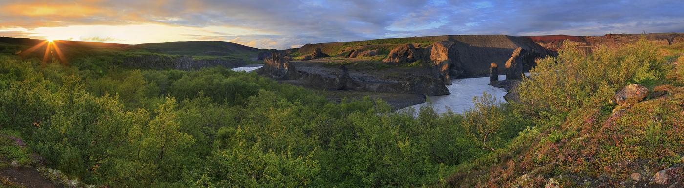 Karl og Kerling rock pillars, Jökulsá á Fjöllum river canyon, Jökulsárgljúfur National...