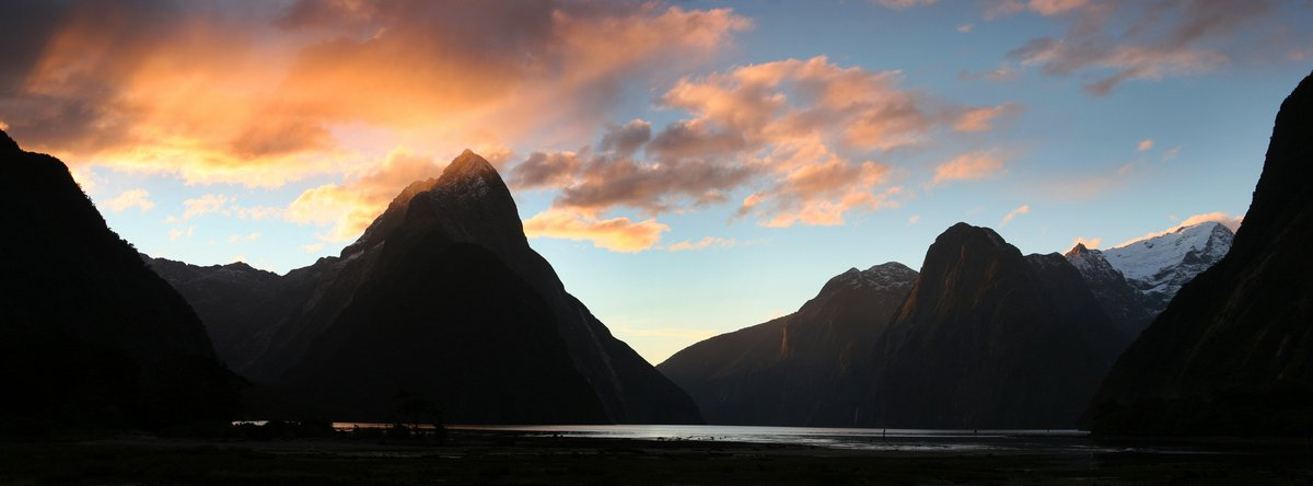 Milford Sound,Fiordland National Park,New Zealand,famous,natural,sights,tourist,places,fjord,sunset,Mitre Peak, photo