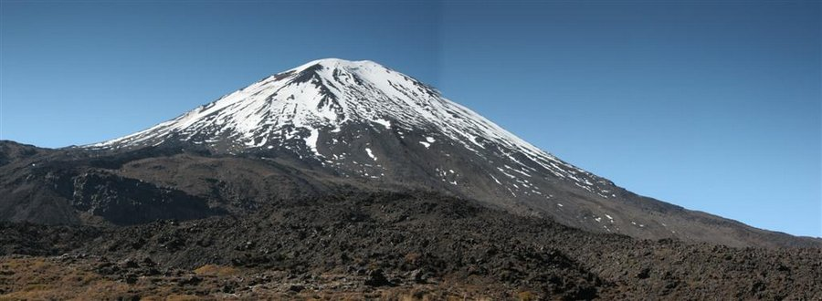 Mount Ngauruhoe, Tongariro National Park, Tongariro Crossing, photo
