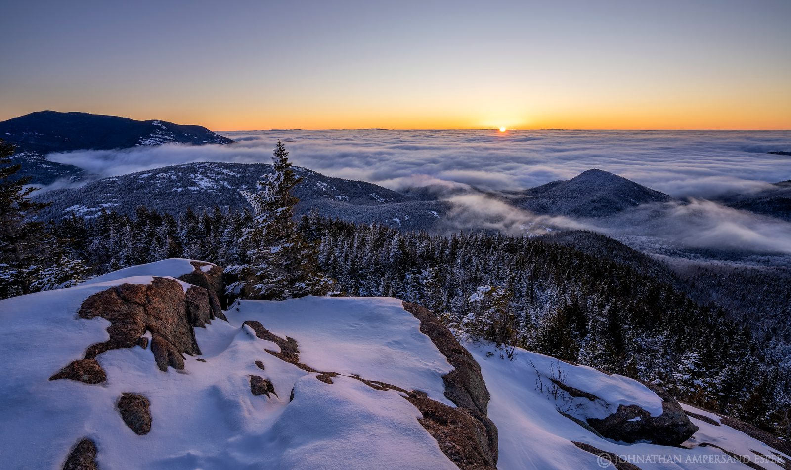 Noonmark,Noonmark Mt,above the clouds,cloud inversion,fog,winter,2021,summit,dawn,
