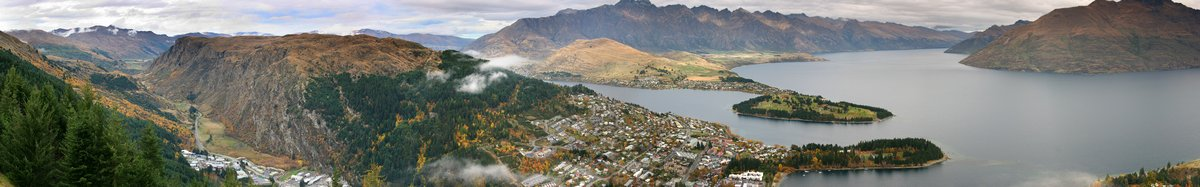 Adventure Capital of the World,Queenstown, NZ,Queenstown,New Zealand,South Island,towns,town,Lake Wakatipu,panorama,pano, photo