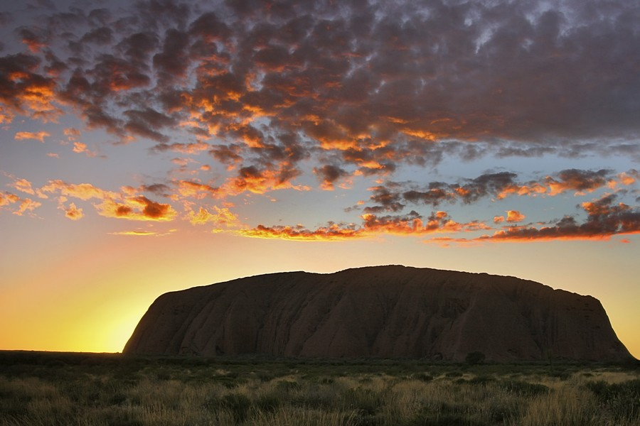 Uluru,Kata Tjuta,National Park,Ayers Rock,sandstone,monolith,Outback,Australia,Nothern Territories,sunrise,sillouette, photo