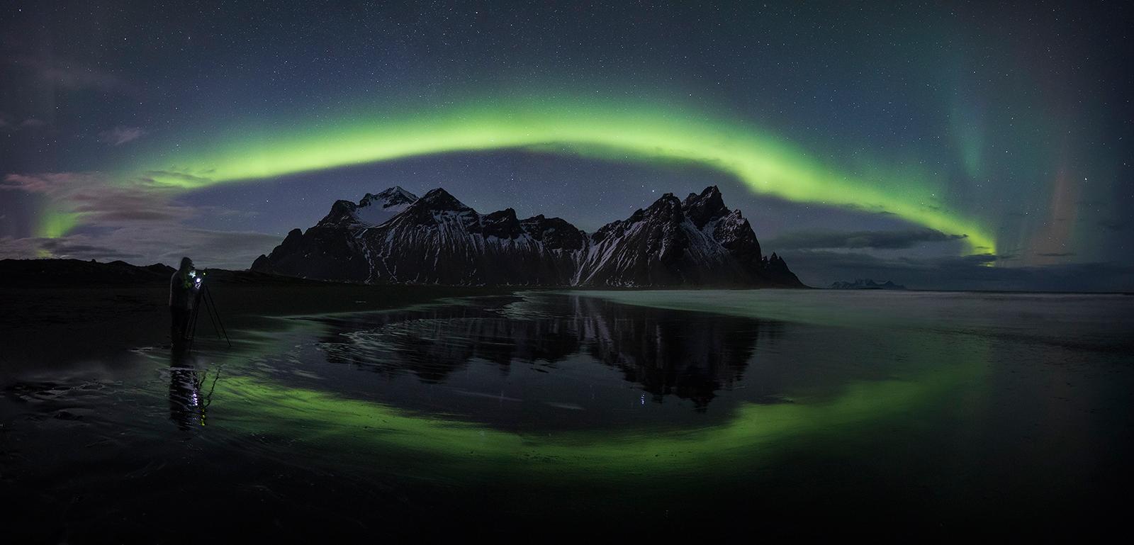 Vestrahorn aurora arch